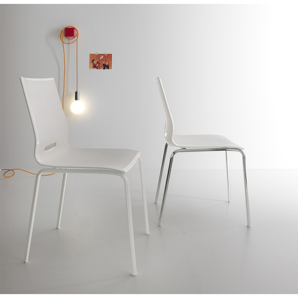 Photos 2: Point House Chair in metal and polypropylene ELENA 2